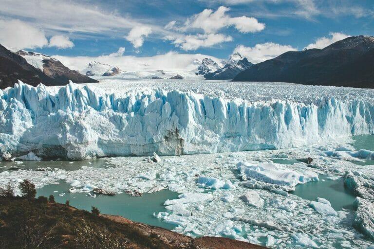 Klimaneutral reisen – CO2 Kompensation mit der Stiftung myclimate